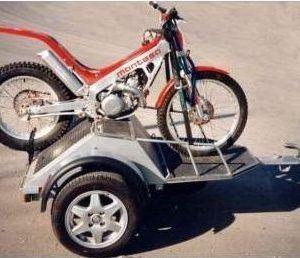 Remolque para motos de trial o enduro