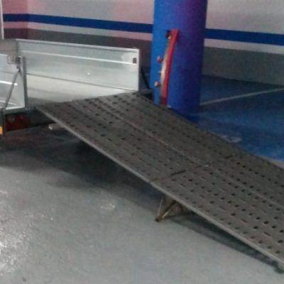 remolque para barredora industrial
